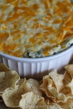 Four Ingredient Baked Spinach Dip Recipe gonna try for new years