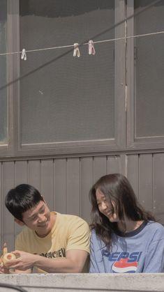 Film Aesthetic, Aesthetic Photo, Aesthetic Pictures, Aesthetic Pastel Wallpaper, Aesthetic Wallpapers, Korean Drama Movies, Love Movie, Couple Photography, Dramas