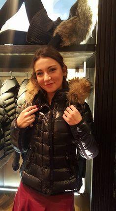 Puffy Jacket, Fur Jacket, Fur Coat, Moncler, Nylons, Down Puffer Coat, Puffer Coats, Fit Women, Jackets For Women