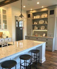 41 Awezome Farmhouse Kitchen Cabinet Makeover Design Ideas