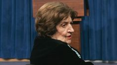 Helen Thomas: Pioneering White House Reporter Dies At 92. Her disdain for White House secrecy and dodging spanned five decades, back to President John Kennedy.