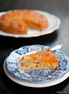 Превртено колаче со кајсии / Upside down apricot cake