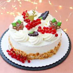 Slagroomtaart - Mariëlle in de Keuken Mini Key Lime Pies, Edible Crafts, Bread Baking, Cake Cookies, Holiday Recipes, Cake Recipes, Keto Recipes, Bakery, Cheesecake