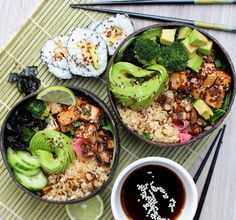 """veganzoejessica:  """" Deconstructed sushi bowls for lunch today  Short grain brown rice, a bed of mesclun salad, cucumber, crispy seaweed, lime, broccoli, crispy tofu marinated in tahini, soy sauce and lemon juice and sautéed mushrooms, garnished with..."""
