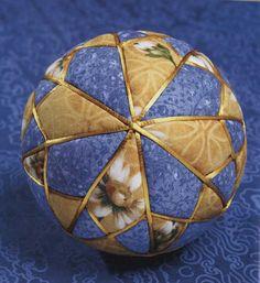 Kimekomi Balls | Shasta Daisy kimekomi home decor quilt balls