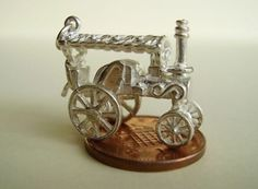 Traction Steam Engine Silver Charm that Moves