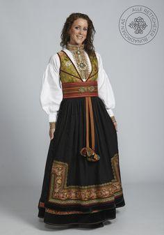 Beltestakk fra Telemark - BunadRosen AS Norwegian Clothing, Norwegian Style, Ethnic Fashion, Womens Fashion, Frozen Costume, Scandinavian Fashion, Folk Costume, Costumes, Looking Gorgeous