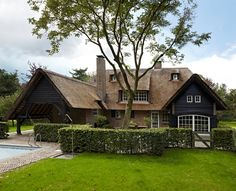 Modern Country, The Netherlands Beautiful Houses Interior, Beautiful Architecture, Beautiful Homes, Different House Styles, House Paint Color Combination, Exterior Paint Colors For House, D House, Exterior Makeover, Exterior Remodel