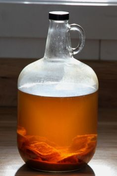 Fruit vinegar is incredibly easy to make using either homegrown or storebought juice. Apple Cider Vinegar, Cider Press, Homemade Apple Cider, Vinager, Fermentation Recipes, Large Glass Jars, Refreshing Summer Drinks, Types Of Fruit