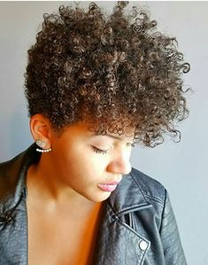 Lots of celebrities these days sport short curly hair styles, but some of them really stand out. When we think of curly short hair, the image of AnnaLynne Natural Hair Cuts, Natural Afro Hairstyles, Dope Hairstyles, Natural Hair Styles For Black Women, My Hairstyle, Long Hair Cuts, Amazing Hairstyles, Natural Styles, Short Sassy Hair