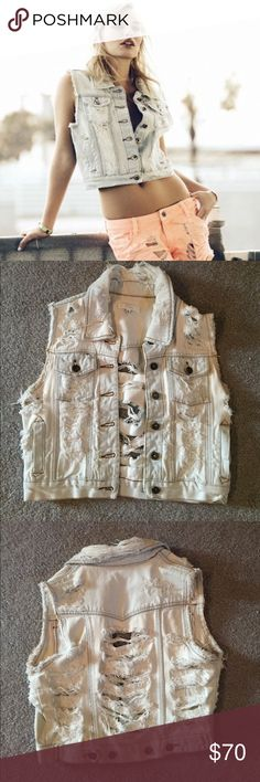 Millau Jean Vest Super cute jean vest from LF! Worn a lot but in great condition LF Jackets & Coats Vests