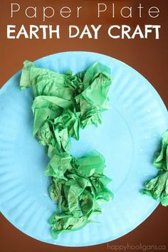 Easy Paper Plate Earth Day craft for preschoolers - Happy Hooligans Paper Plate Crafts For Kids, Spring Crafts For Kids, Summer Crafts, Art For Kids, 4 Kids, Summer Fun, Classroom Crafts, Preschool Crafts, Kids Crafts
