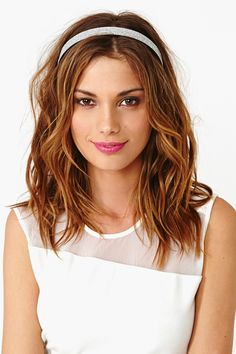 Love the way her hair is cut