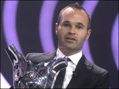 Andres Iniesta wins 2012 UEFA Best Player in Europe