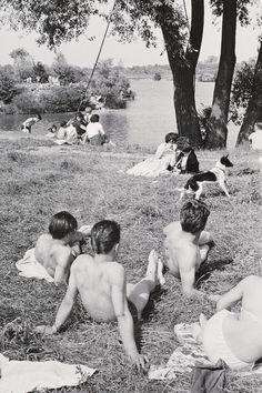 (Riverbank), 1960's, Henri Cartier-Bresson.