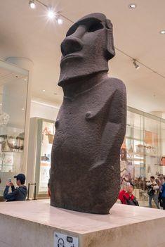 Kids love Hoa Hakananai'a (Easter Island moai) at the British Museum in London. Easter Island Moai, Story People, West London, La Jolla, London Travel, British Museum, Stone Sculptures, Drawing Stuff, Kids