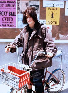 Winona Ryder in Welcome Home Roxy Carmichael as Dinky Bossetti