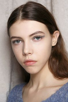 See the best makeup beauty looks from the fall runway here...