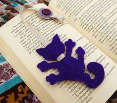 Felt Crafts, Crafts To Make, Crafts For Kids, Paper Crafts, Diy Bookmarks, Crochet Bookmarks, Diy Pouch No Zipper, Felt Bookmark, Book Markers