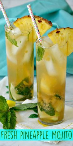 Enjoy a Fresh Pineapple Mojito made with rum, lime, mint leaves and homemade pineapple simple syrup. It's easy to make this refreshing classic cocktail. Bar Drinks, Cocktail Drinks, Beverages, Restaurant Drinks, Rum Cocktail Recipes, Summer Drink Recipes, Alcohol Drink Recipes, Fun Drinks Alcohol, Mexican Alcoholic Drinks