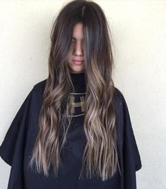 10 Biggest Spring/Summer 2020 Hair Color Trends You'll See Everywhere Brown Hair Balayage, Brown Blonde Hair, Balayage Brunette, Hair Color Balayage, Brunette Hair, Hair Highlights, Ombre Hair, Dark Hair, Hair Flip