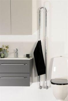 Kriss Clipp håndklæderadiator kan bruges til enten vand eller el. #håndklæderadiator #KrissClipp #håndklædetørrer #kriss #vvscomfort