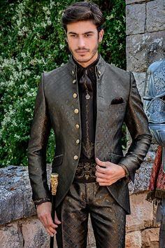 Gothic high fashion groom suit grey and golden brocade frock coat Gothic High Fashion, Gothic Men, Baroque Fashion, Steampunk Wedding Dress, Gothic Wedding, Marie Antoinette Movie, Mode Steampunk, Wedding Frocks, Frock Coat