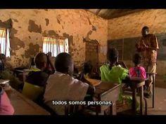 Binta i la gran idea  El següent vídeo mostra la diversitat i la multiculturalitat existent a un païs francòfon com Senegal.  Aquest recurs l'utilitzo a l'aula amb la finalitat de: treballar les diferències físiques, desenvolupar l'empatia cap a altres cultures i practicar la llengua francesa. Rosa G. Part 3: http://www.youtube.com/watch?v=IqeEHHwA7vk