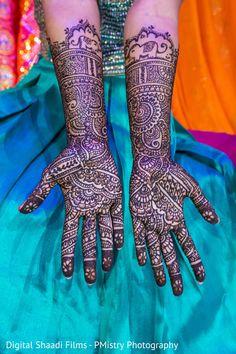 Bridal mehndi http://www.maharaniweddings.com/gallery/photo/90646