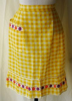 Women's 1970s Yellow and White Checked Apron with Smilie Faces