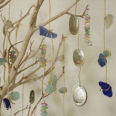 beachcombing ornaments--easy-peasy. Just tie shells, sea glass, etc, to jute!