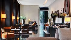 A unique contemporary hotel in Milan, the Bvlgari Hotel Milano is designed with a rich Italian luxury feel, infused with the essence of the local culture. Bulgari Hotel Milan, Bvlgari Hotel, Armani Hotel, Milan Hotel, Architectural Digest, Hotels Milan Italy, Hotel Milano, Joko, Decoration Design