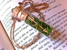 Items similar to Arrow & Moss Necklace - Hunger Games Inspired Pendant with Glass Vial and Cork on Etsy Hunger Games Outfits, Hunger Games Catching Fire, Hunger Games Trilogy, Bottle Charms, Bottle Necklace, Old Fashioned Glass, Glass Vials, Geek Out, Jewelry Crafts