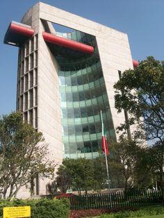 Fondo de Cultura Economica by Teodoro González de León. Ciudad de México