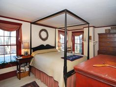 Master bedroom in house in East Greenwich RI. Primitive Country Bedrooms, Primitive Bedding, Primitive Living Room, Primitive Homes, Country Life, Country Living, Country Decor, Home Bedroom, Master Bedroom