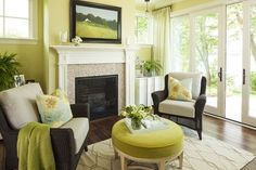 Another way to showcase vibrant greens with a neutral backdrop. #green #accent #interiordesign