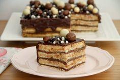 Tarta de galletas y crema, para cumpleaños » Recetas Thermomix | MisThermorecetas