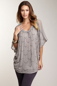 Romeo & Juliet Couture Short Dolman Sleeve Beaded Front Top
