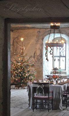 http://ateljeskogslyckan.blogspot.com/2012/12/juldukning-2012-i-torpa-stenhus-kanner.html