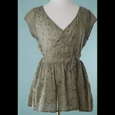 DKNY Green Silver Cotton Tie Waist Top Size 10 DKNY Green Silver Cotton Tie Waist Top Size 10 DKNY Tops