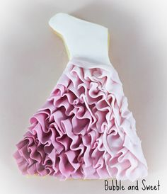 Bubble and Sweet: Pink Ombre Ruffled Dress Cookie tutorial