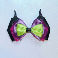 Maleficent Inspired Bow por ExtraSweetBowtique en Etsy