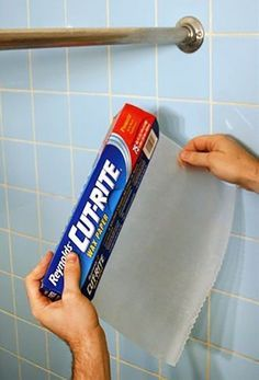 Rub a piece of wax paper along your shower curtain rod. This will make your curtain glide back and forth, no more sticking. And other great wax paper tips. The shower curtain rod didn't really change after the wax paper. Household Cleaning Tips, House Cleaning Tips, Diy Cleaning Products, Deep Cleaning, Spring Cleaning, Cleaning Hacks, Cleaning Chrome, Cleaning Supplies, Kitchen Cleaning