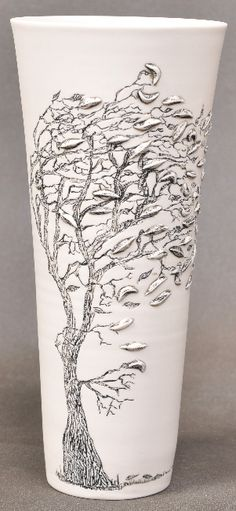 Eunice Botes -Google Image Result for http://eunicebotes.co.za/SW3.png - white porcelain with sqraffito and sprigs