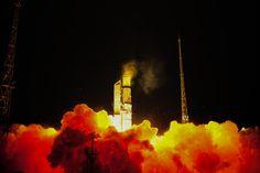 Liftoff of ESA's Sentinel 3A on board a Rockot rocket [3500×2333]