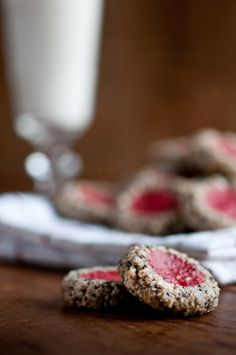 Raw Strawberry Thumbprint Cookies 2 cups almonds (I soaked and dehydrated mine) cup unsweetened dried coconut (ground to a powder in high-speed blender or you can use coconut flour) cup chia seeds cup agave or liquid sweet Raw Vegan Desserts, Healthy Vegan Snacks, Raw Vegan Recipes, Vegan Sweets, Almond Recipes, Healthy Sweets, Vegan Foods, Vegan Raw, Paleo