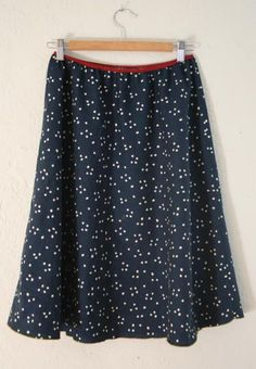 5 Minute Skirt   Make the perfect skirt in 5 minutes flat with this free sewing pattern!