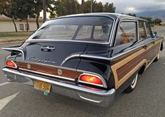 1960 Ford Country Squire Station Wagon, when was the last time you saw one of these?