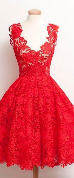 robe courte rouge en dentelle pour fête d'anniversaire