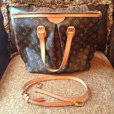 Louis Vuitton Palermo handbag 👜 Preowned and in excellent condition. Cannot find dustbag or receipt but whoever ends up buying it I'll try my best to find both or atleast dust bag. Otherwise for now it's just the beautiful purse itself :)no  major flaws! ⭕️please ask me about the zipper if you are a serious buyer⭕️PRICED TO SELL!!! Louis Vuitton Bags